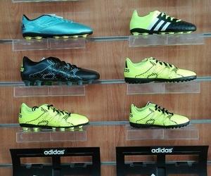 Tienda de deporte. Material de fútbol , fútbol sala y runnig
