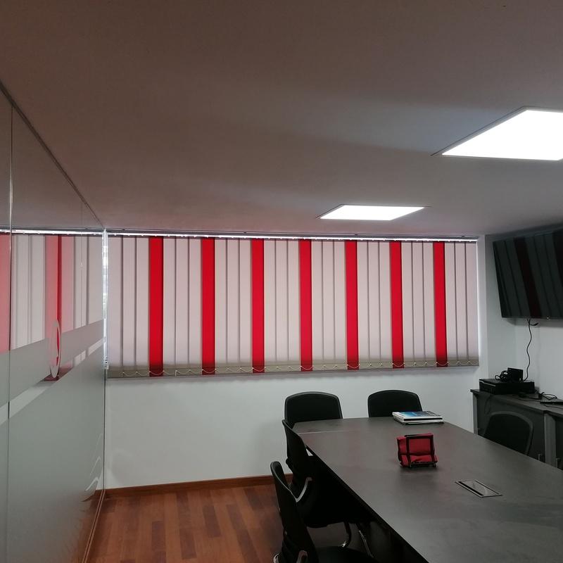 Venta e instalacion de persianas verticales: Servicios de Decopersiana
