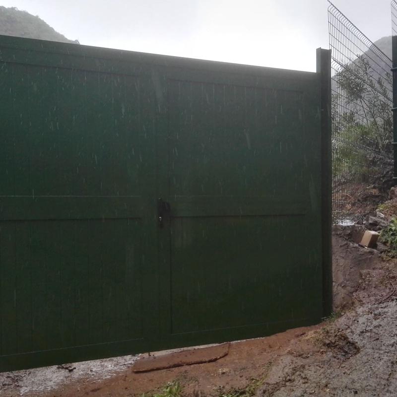 Puertas de garaje Aluminios Beyra. Las Palmas