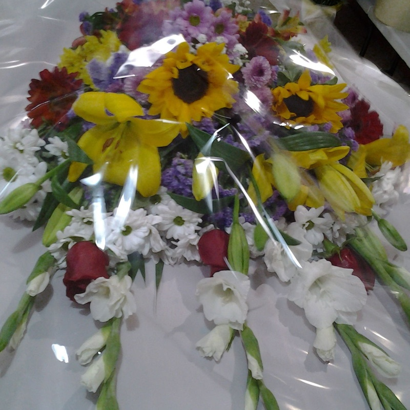 Ramo funerario variado: Servicios de Arte Flor