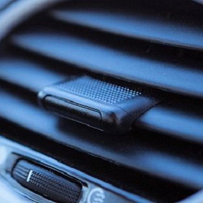 ¿Cuál es la principal función del radiador de un vehículo?