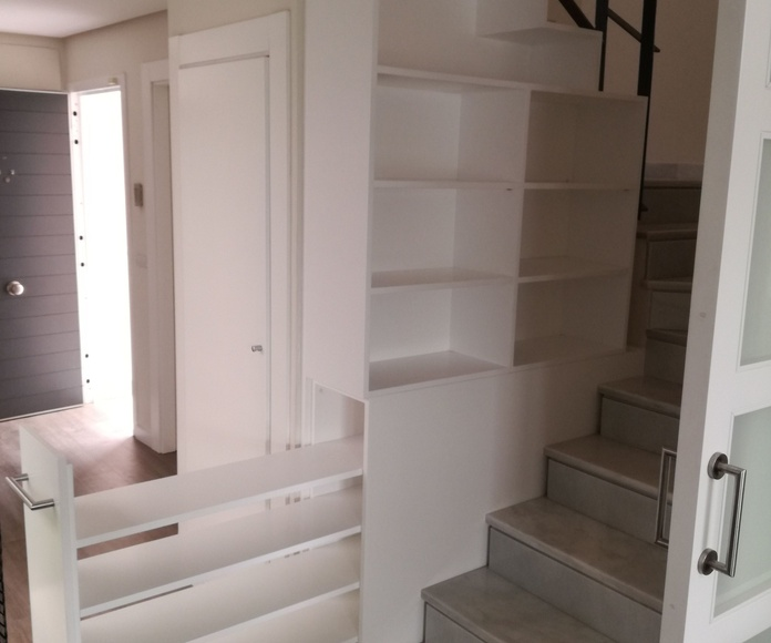 Bajos de escalera: CATÁLOGO de CARPINTERÍA Y EBANISTERÍA ARCAMADE