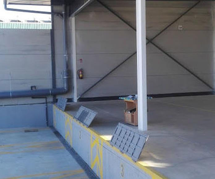 Montaje de puerta basculantes de contrapeso preleva en muelles