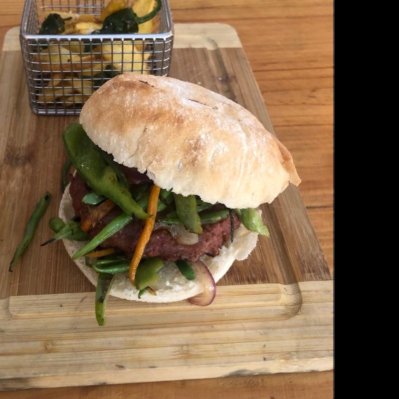 "Hamburguesa Verdura ""Beyond Meat"": CARTA y Menús de Alquimia"