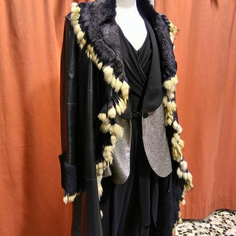 abrigo de piel 300€