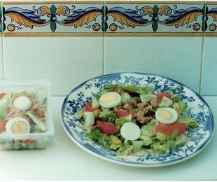 6 - Ensalada Mixta (lechuga, tomate, atún, maíz)