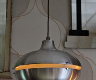 Lámpara space age restaurada