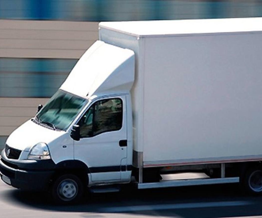 Alquilar una furgoneta para carga y transporte