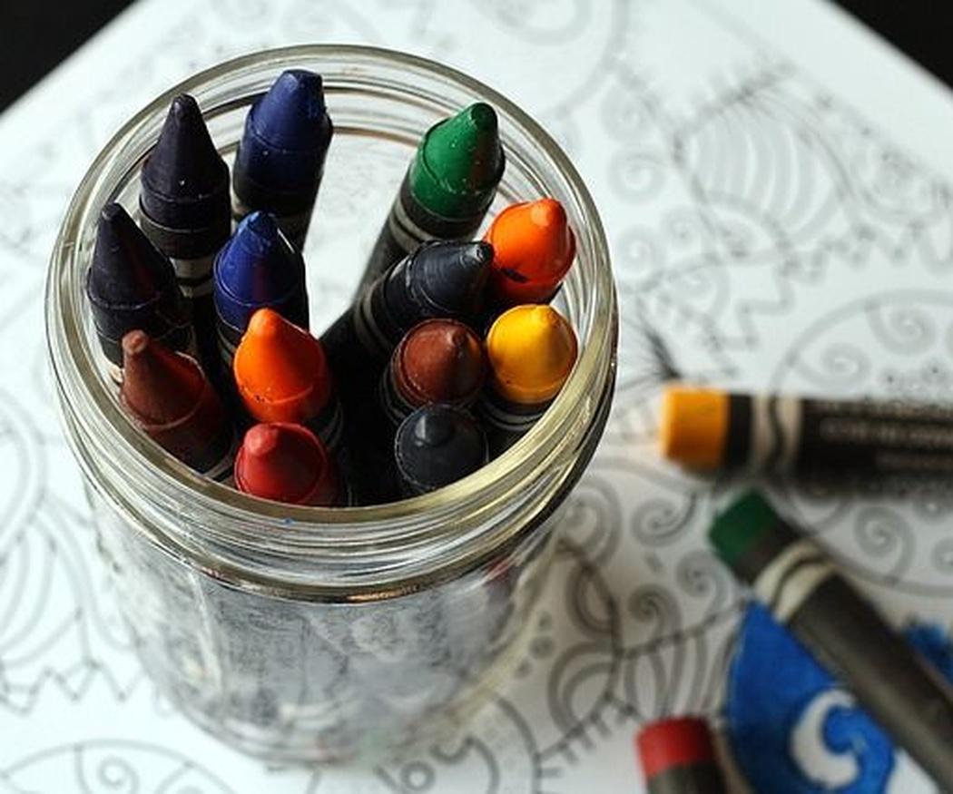 ¿Cómo la escuela y los padres pueden facilitar el desarrollo de la creatividad del niño?
