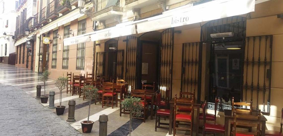 Vinoteca argentina en Málaga con una amplia carta