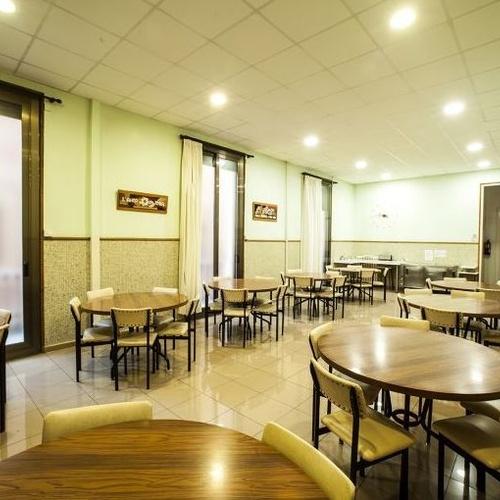 Comedor de la residencia de estudiantes en Barcelona