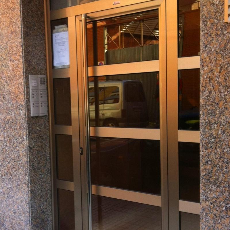 Puertas de comunidad: Productos de Aluminios Martinez