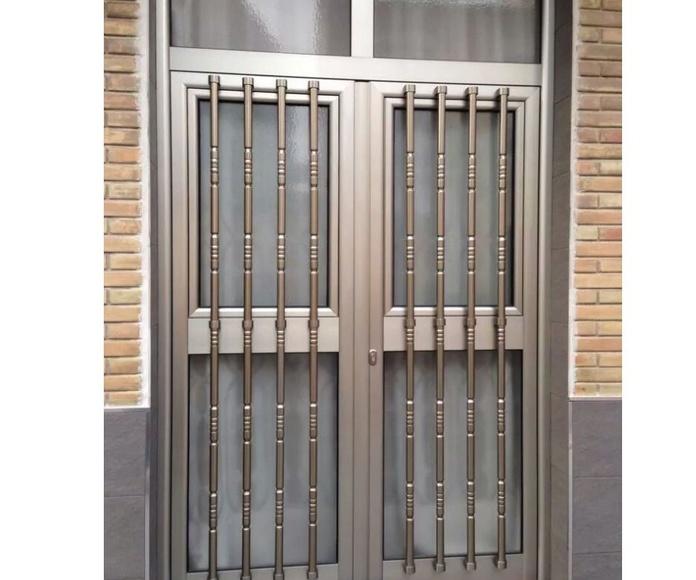 Puertas: Catálogo de servicios de Aluminios Los Ángeles
