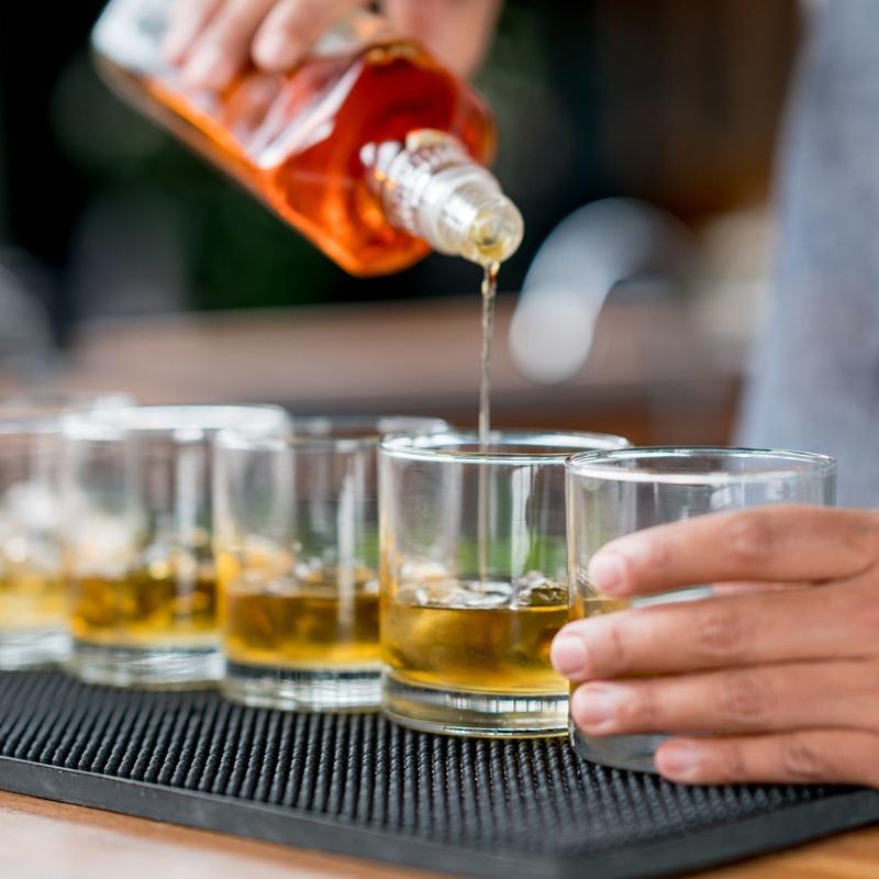 Ron: Carta y Raciones de Bar Restaurante Almanzor