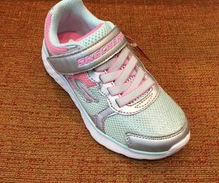 Calzado deportivo de la marca Skechers