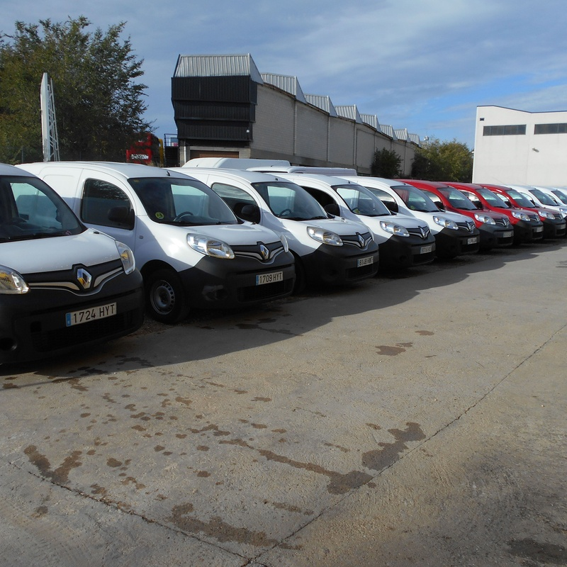 RENAULT KANGOO DCI FURGON 2014: Stock de Furgonetas a Buen Precio