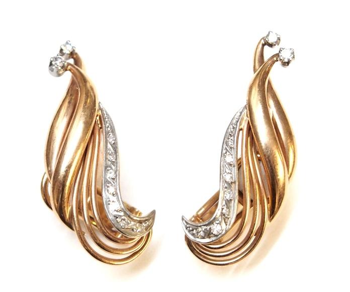 Pendientes en oro de 18k con diamantes. Circa:1950-1960.: Catálogo de Antigua Joyeros