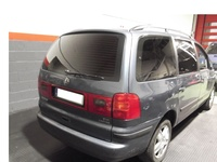 Volkswagen sharan. Tonalidad negro oscuro