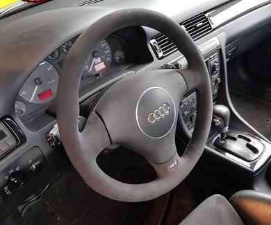 Audi S6 - Volante alcantara