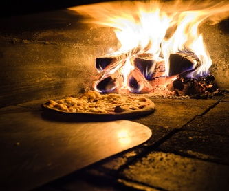 Crissant: Carta de Caesar's pizzas y más