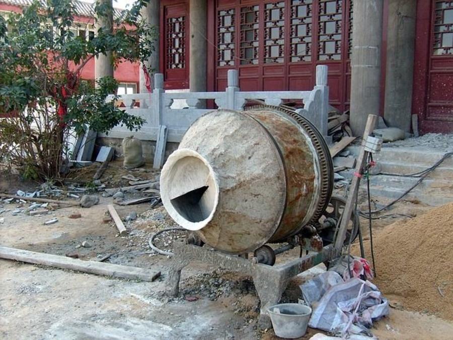 Yeso, mortero y cemento, imprescindibles en la construcción