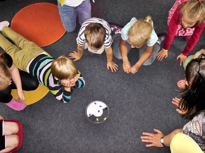Cómo desarrollan los niños la inteligencia emocional en la guardería
