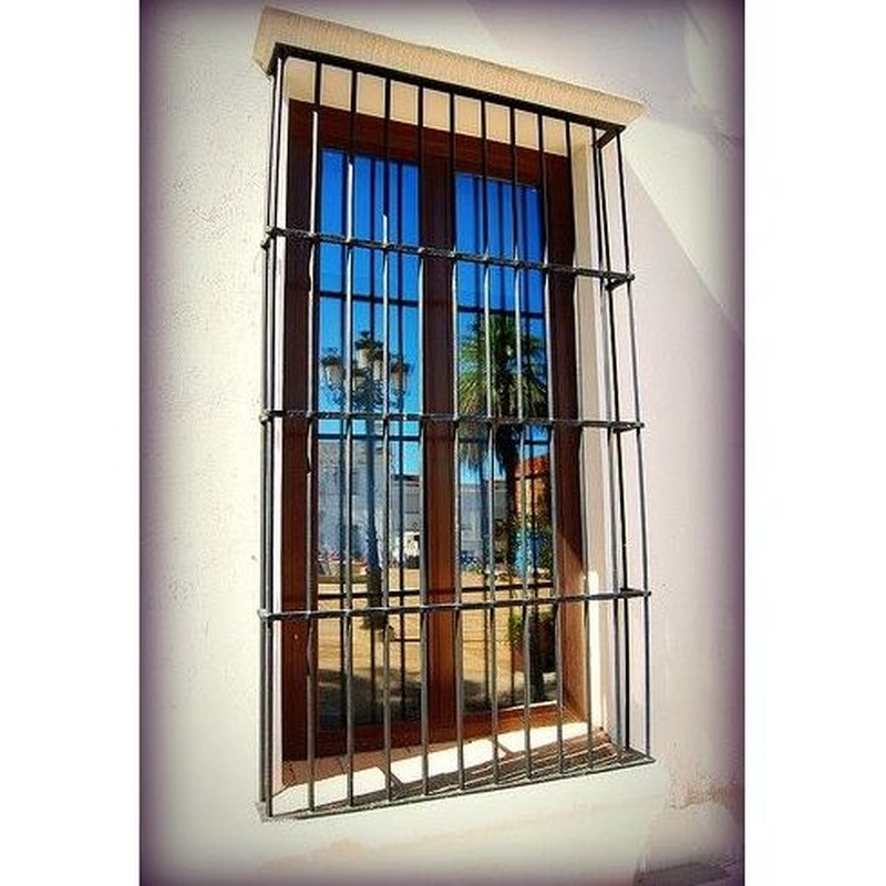 Rejas y puertas: Servicios de Carpintería Metálica LOSAN