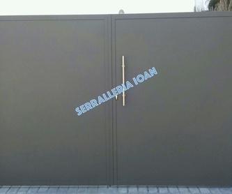 Puerta de chapa perforada:  de Serrallería Ioan