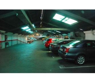 Accesos con doble puerta: Servicios de Parking de Garaje Cuesta