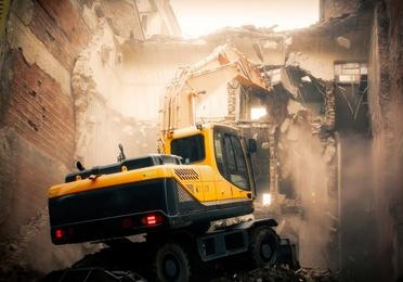 Demoliciones y desescombro