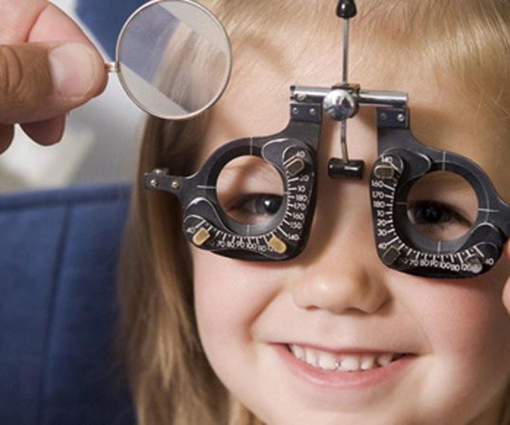 Lentillas para niños, cada vez más habituales