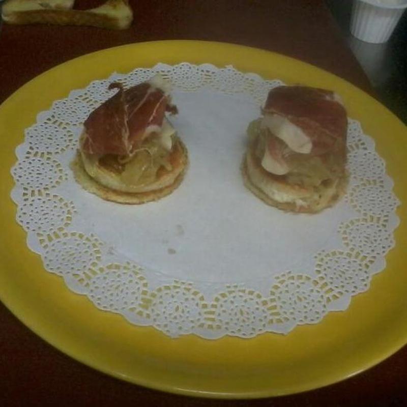Tapas y aperitivos: Especialidades de la casa de Cafetería Bayona