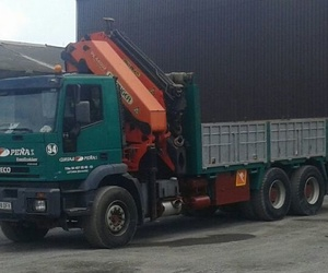 Servicio de camión con grúa en Vizcaya | Grúas Peña