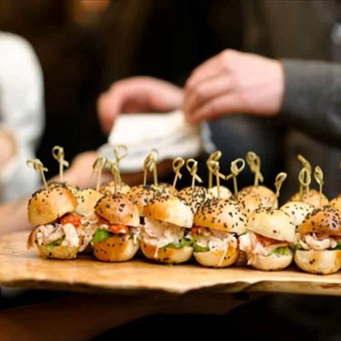 ¿Por qué confiar en un servicio de catering para eventos?