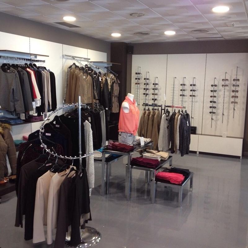 Mobiliario y complementos para tienda en Barcelona