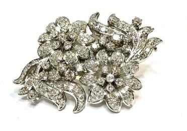 Broche doble clip floral de brillantes y platino. Ref. A-13969