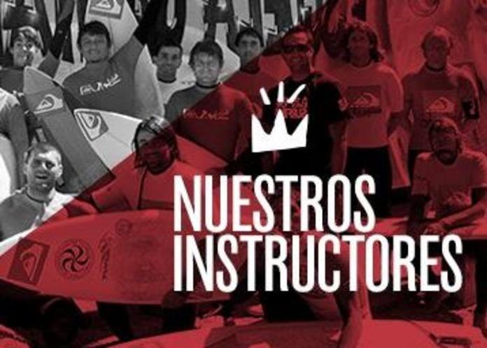 Instructores de surf - Escuela Cántabra de Surf.