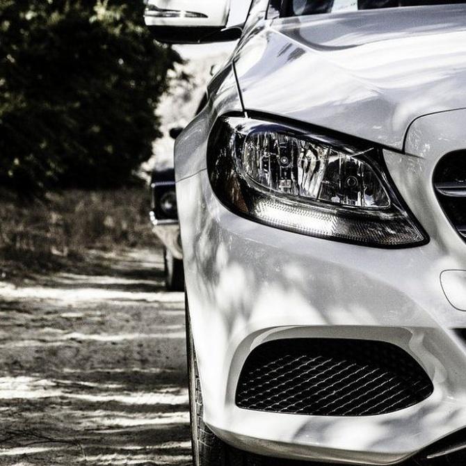 ¿Influye el color del coche en el precio del seguro?