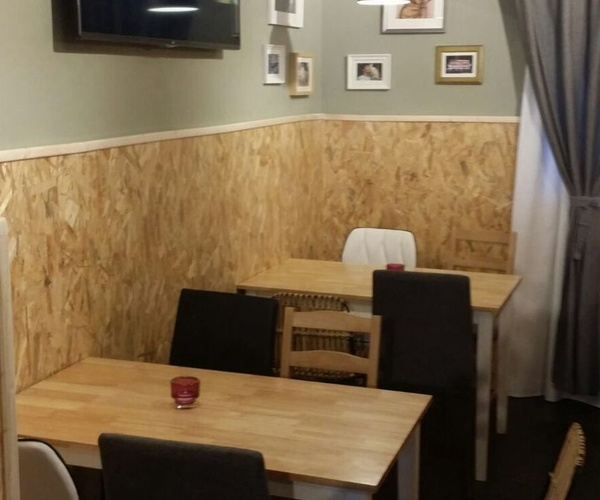Restaurante con capacidad  para 40 comensales