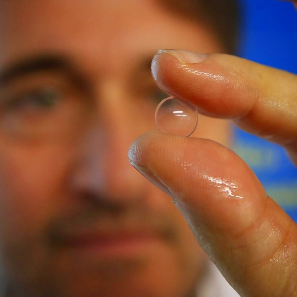 Una lentilla progresiva frena hasta el 43% la evolución de la miopía
