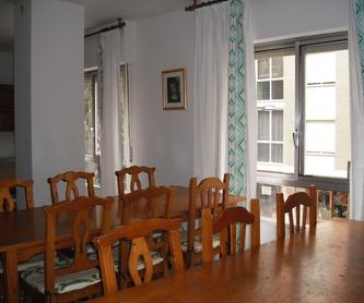 Sala de estar con TV: Instalaciones y servicios de Residencia Universitaria El Pilar