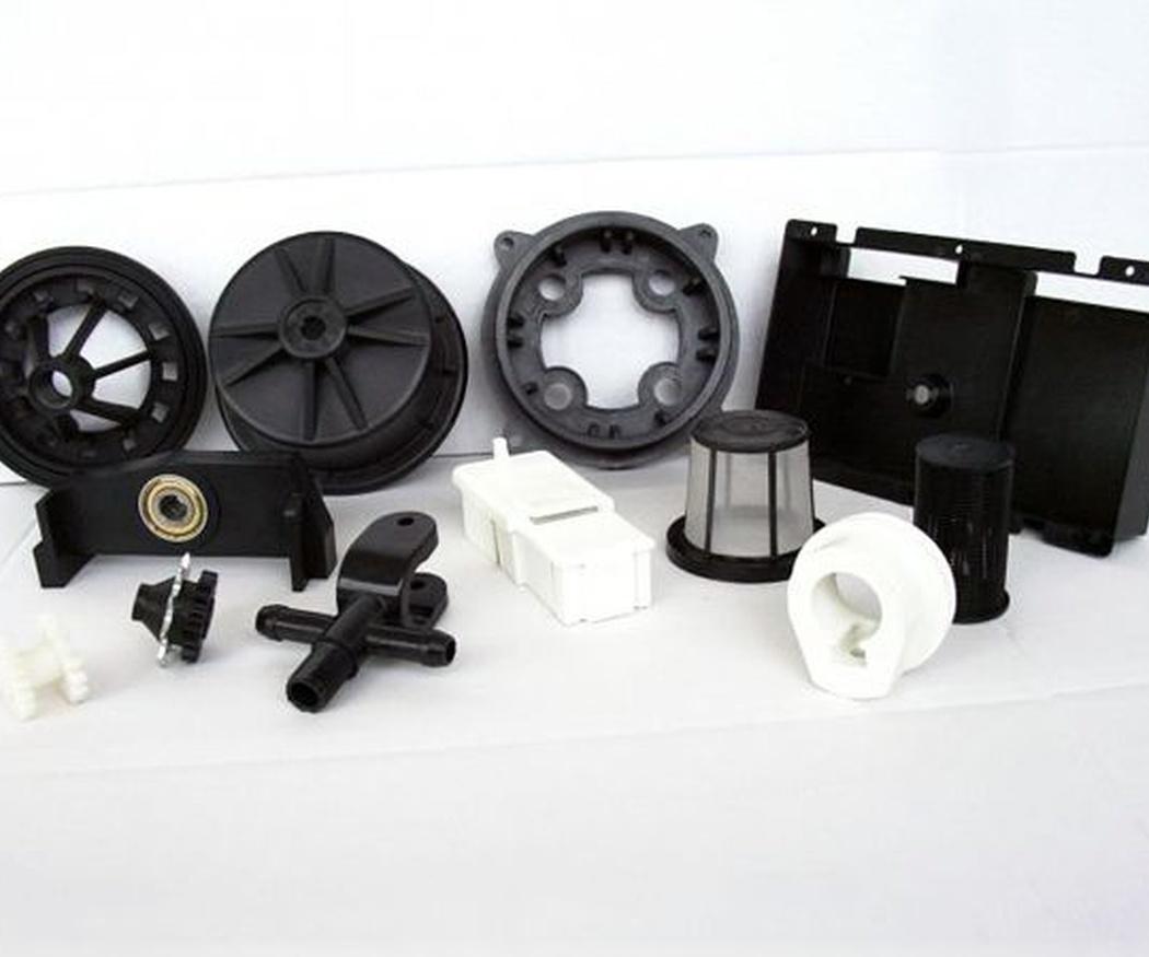Ventajas del uso de plástico en piezas industriales