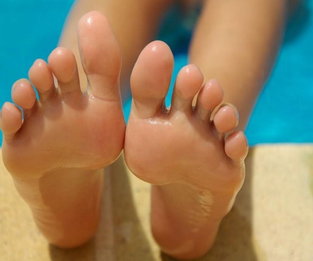 Qué son los pies valgos, cavos y planos