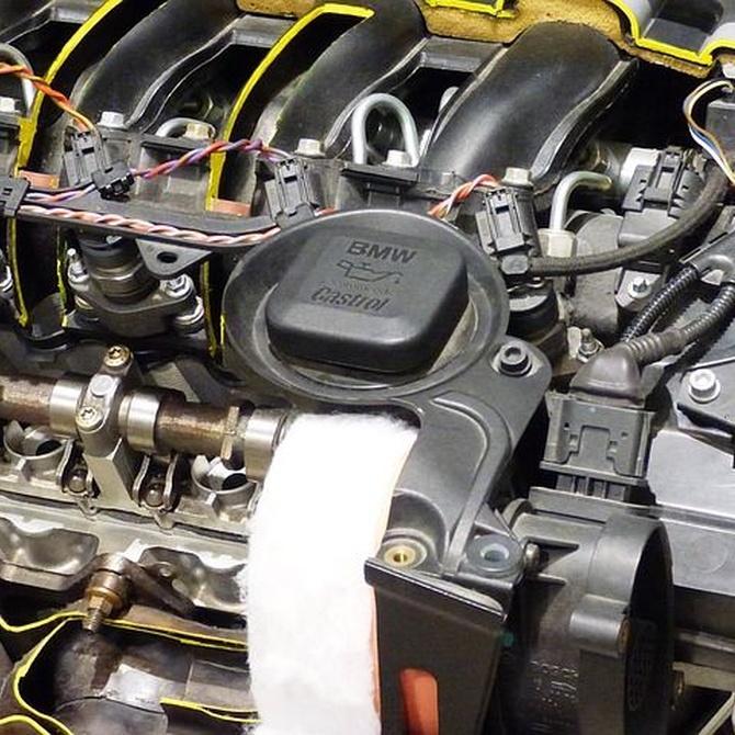 Qué hacer si tu coche pierde aceite