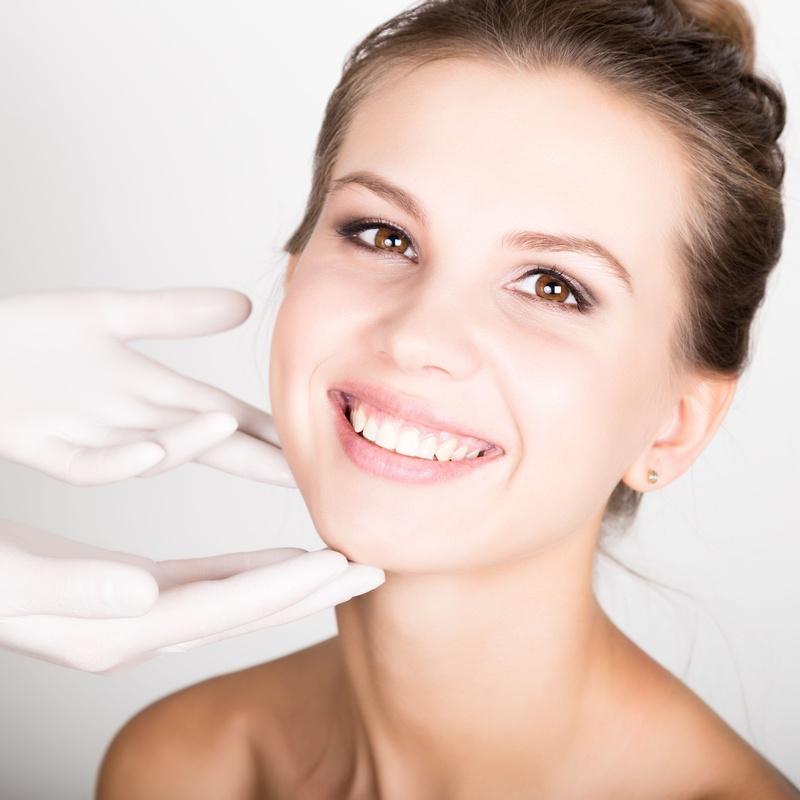 Limpieza y tratamientos faciales: Servicios de Fusión Unisex Hairdressers