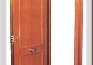 Puertas blindadas con cerco acorazado