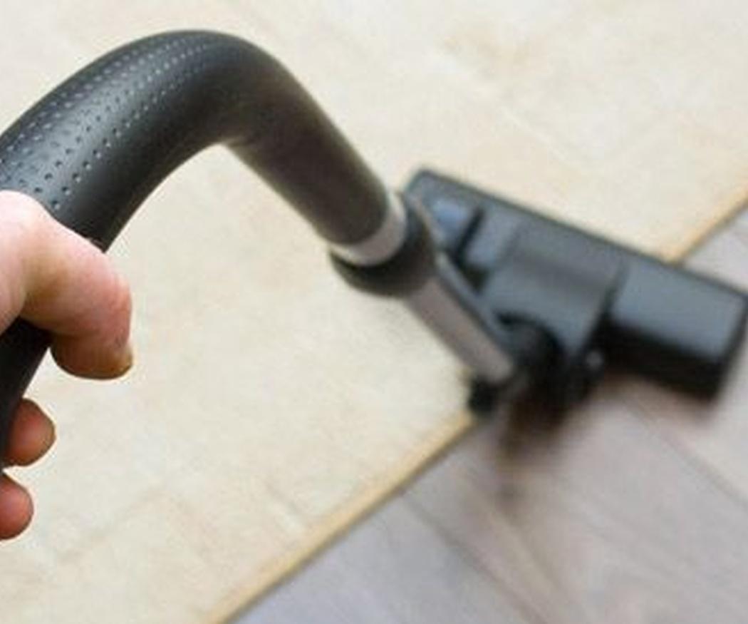 Cómo se debe limpiar una moqueta