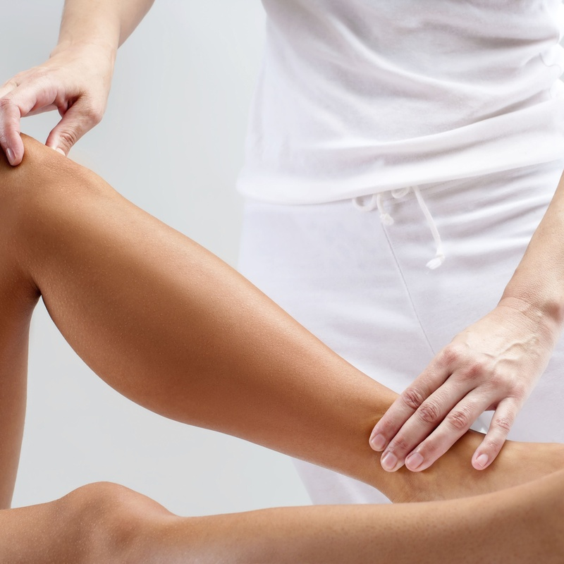 Masaje de fisioterapia: Servicios de Estética de Medicina & Estética Glamour