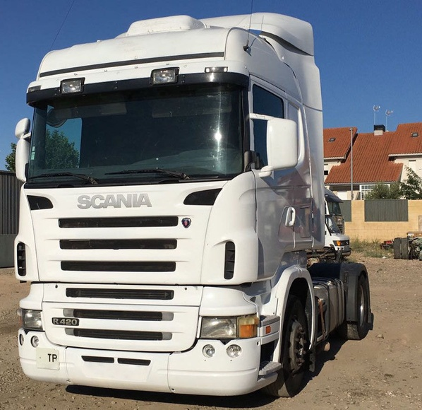 SCANIA R420: Vehículos industriales de Emirtrucks Trading