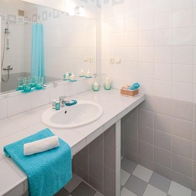 Cómo decorar un baño moderno